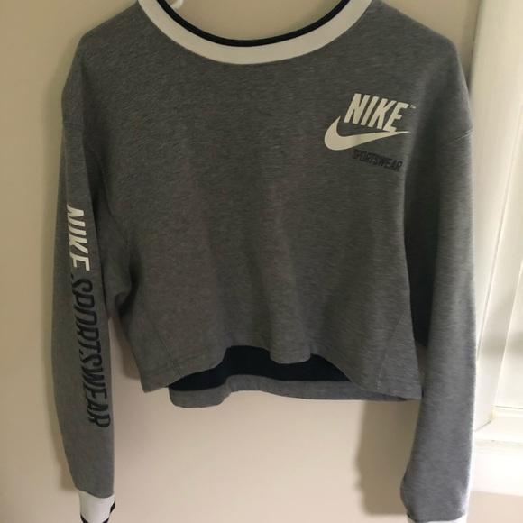 Nike Sweaters - Nike reversible crew neck